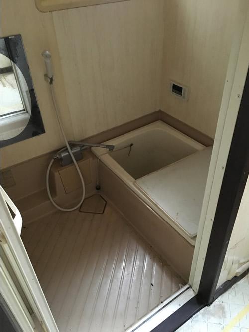 浴室・洗濯機置き場 before 画像